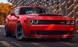Dodge Challenger Nasıl Araba, Alınır Mı? Kullanıcı Yorumları