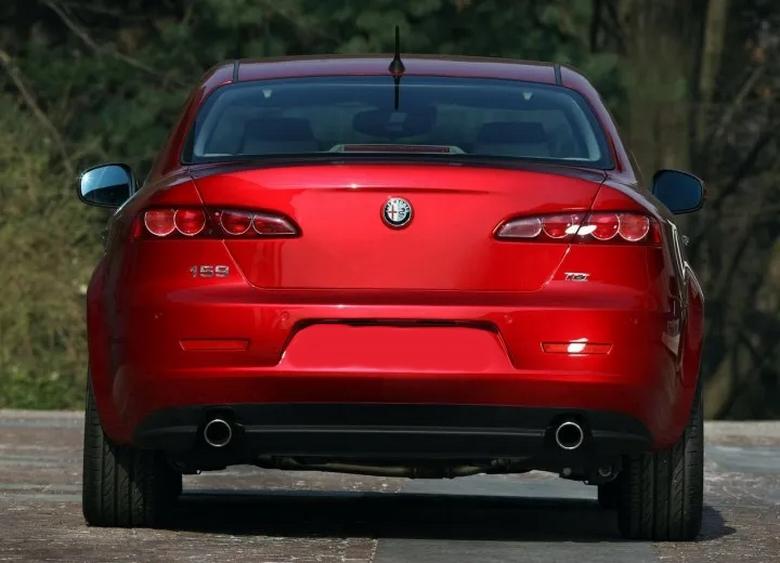 Alfa Romeo 159 Arkadan Görünüşü